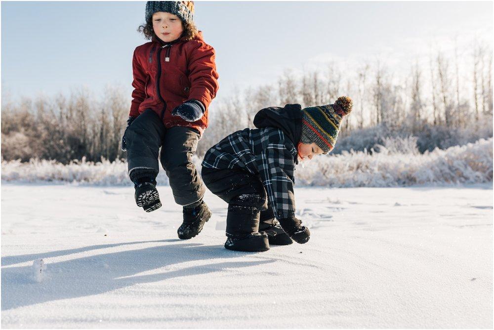 Treelines Photography - Edmonton Lifestyle Photographer - Edmonton Hoar Frost