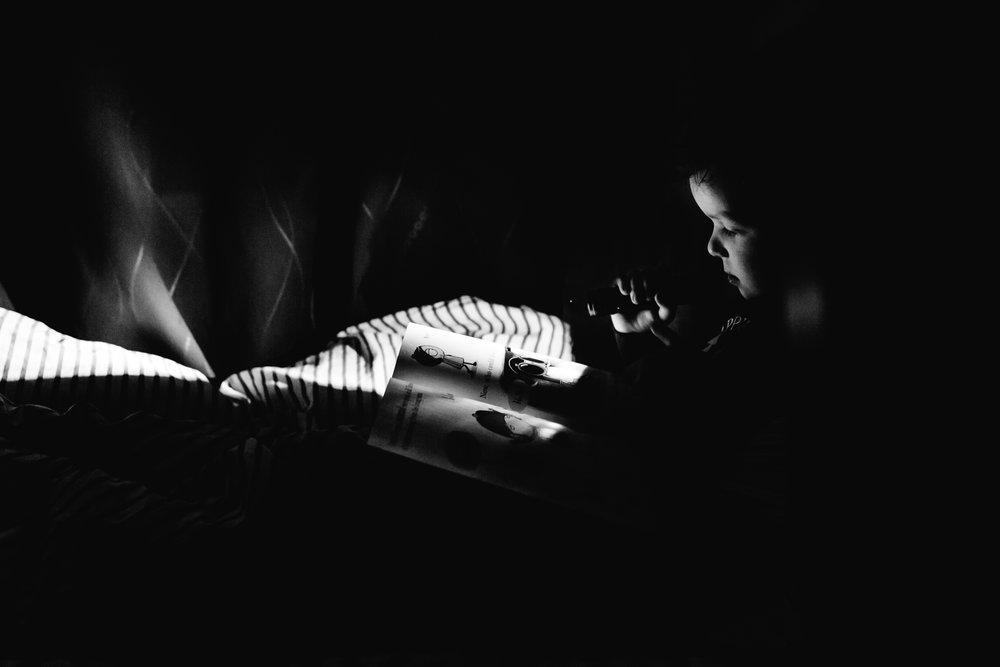 Treelines Photography - Flashlight Reading - Edmonton Family Photographer