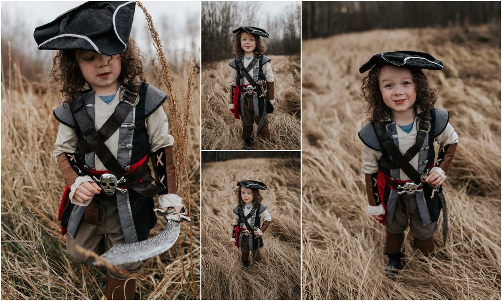 Edmonton Photographer Halloween Pirates 2017 Outdoor photography