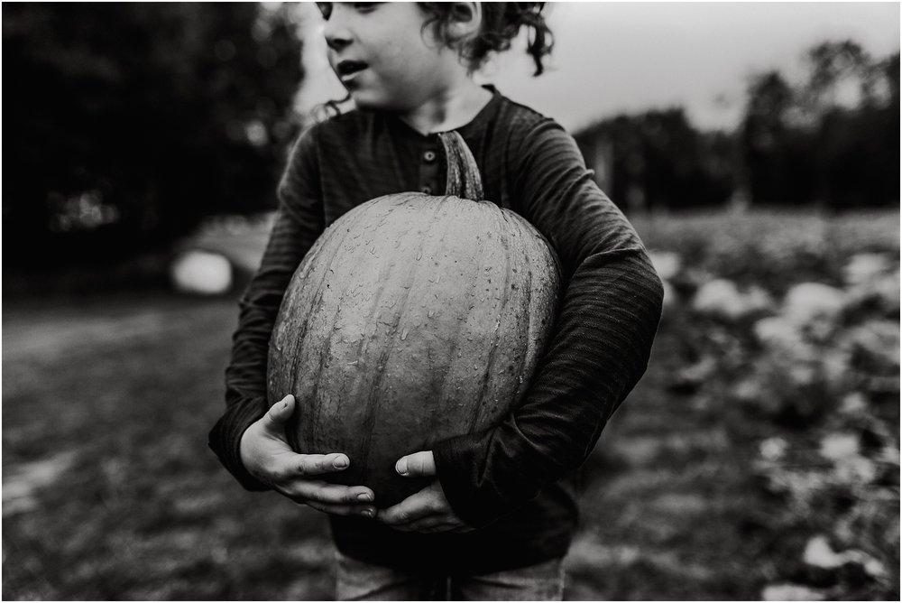 Treelines Photography - Edmonton Documentary Photographer - Edmonton Photographer - Pumpkin Patch