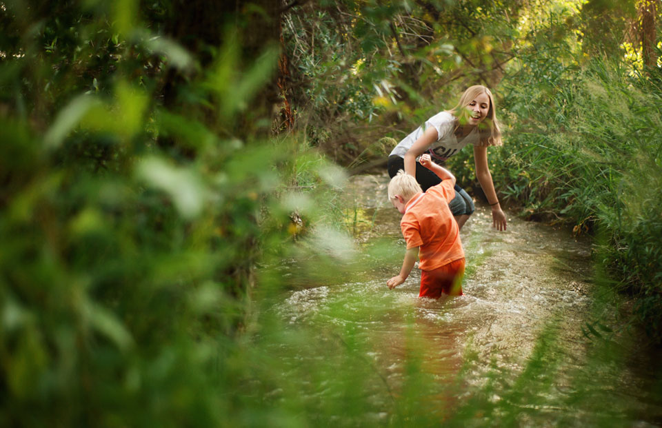 kids-playing-creek.jpg