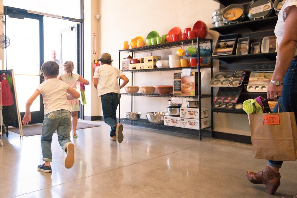 kids running from store