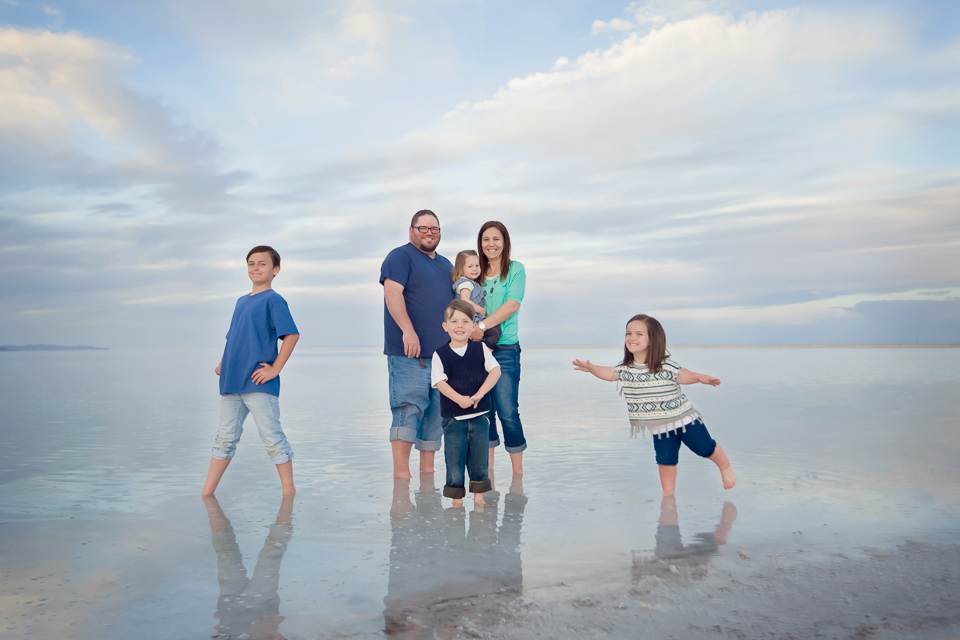 family photo session_salt_flats-2.jpg