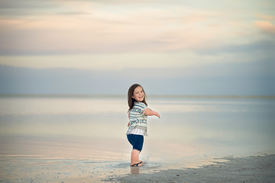 family photo session_salt_flats-4.jpg