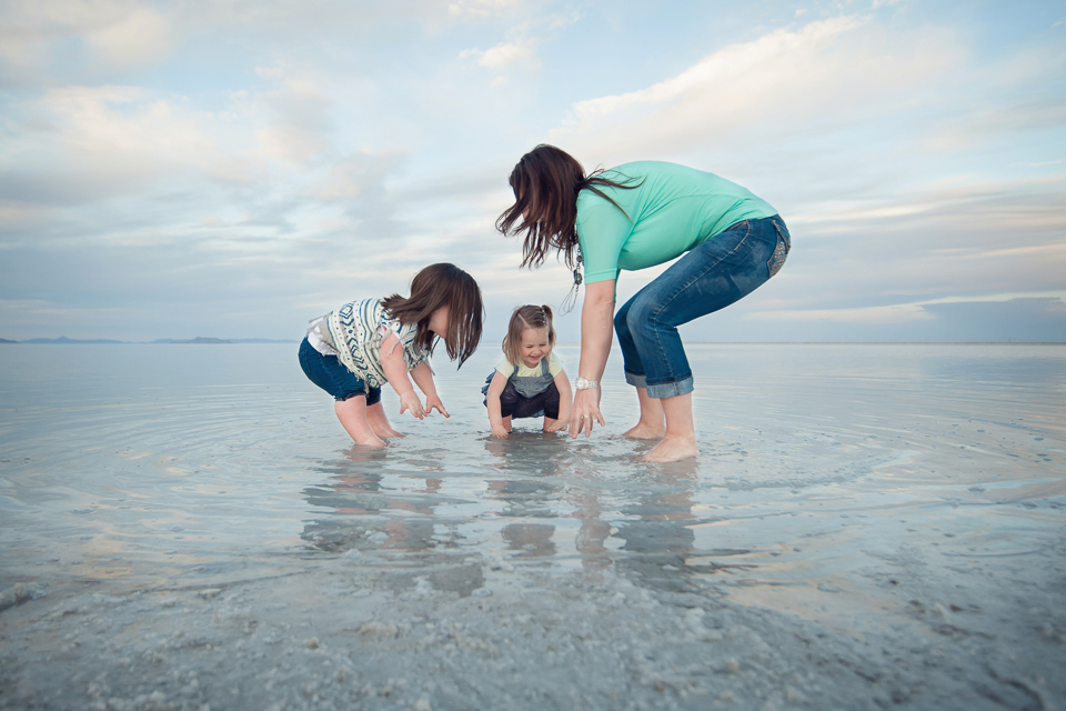 family photo session_salt_flats-1.jpg