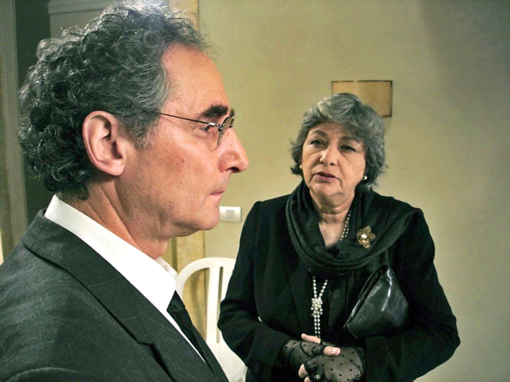 As Leon in LIEBESLEBEN,*Best Supporting Actor Nom, German Film Awards, 2008* with Esther Zewko.