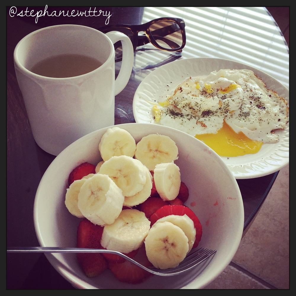 Eggs Over Easy & a bowl of fruit: Healthy Vacation Breakfast