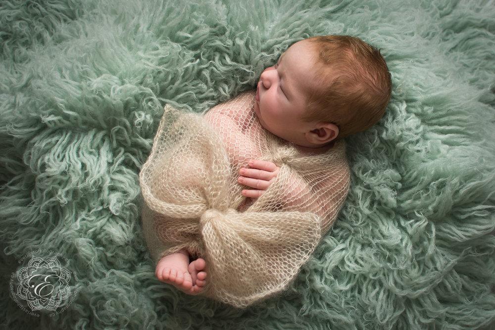 posed-newborn-photographers-edmonton