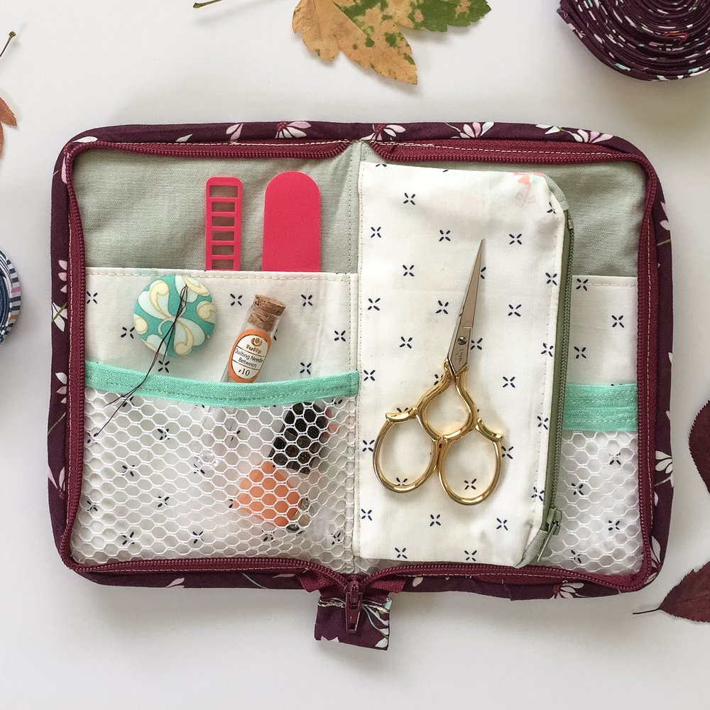 Lining and pockets are Paperie by Amy Sinibaldi and The Denim Studio by AGF.