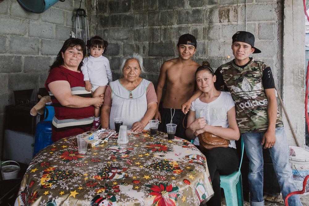 LibroPortafolio-Familia02 E - DSC01225.jpg