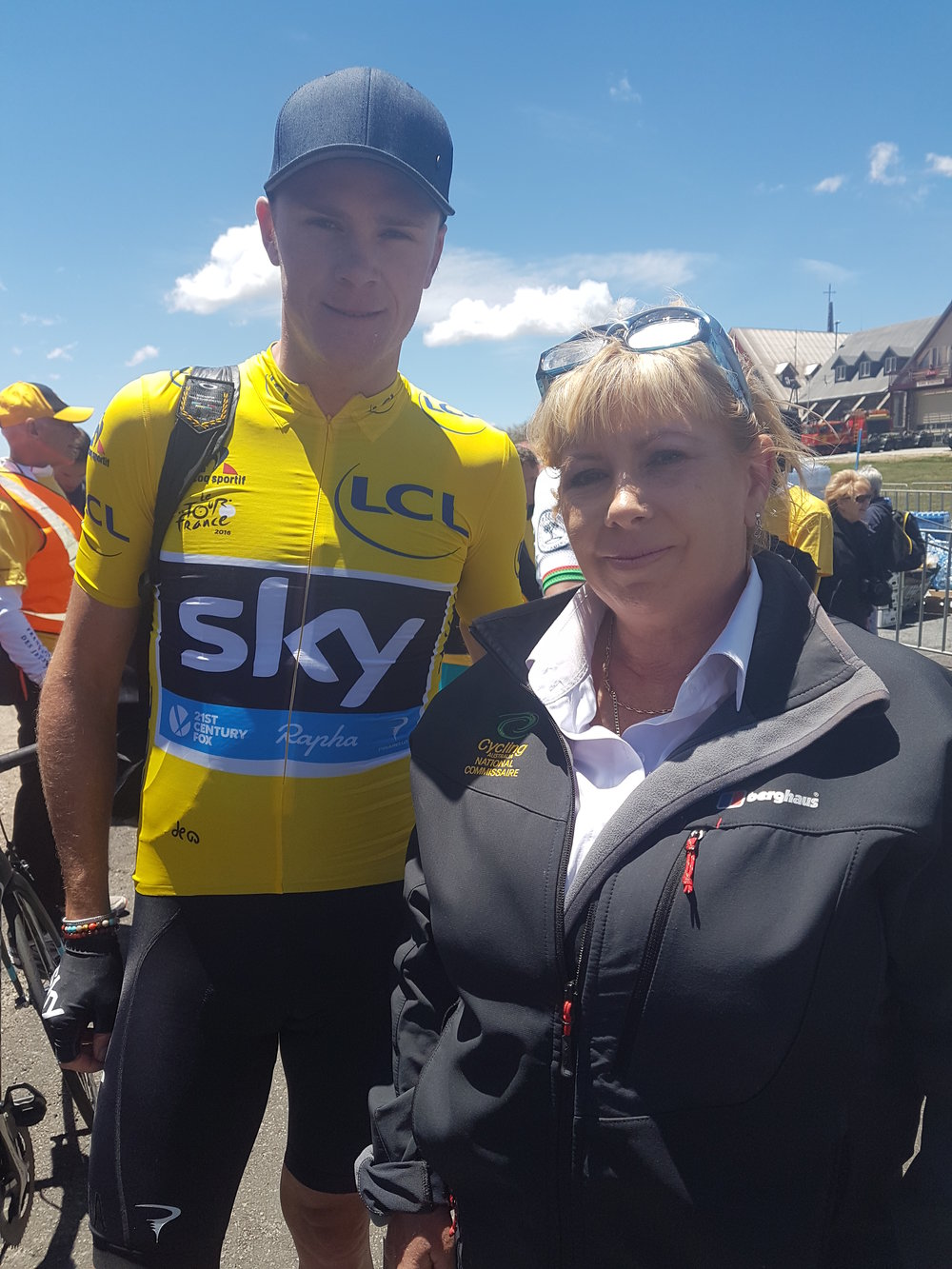 Chris Froome with Fiona Fahy (BiciSport)