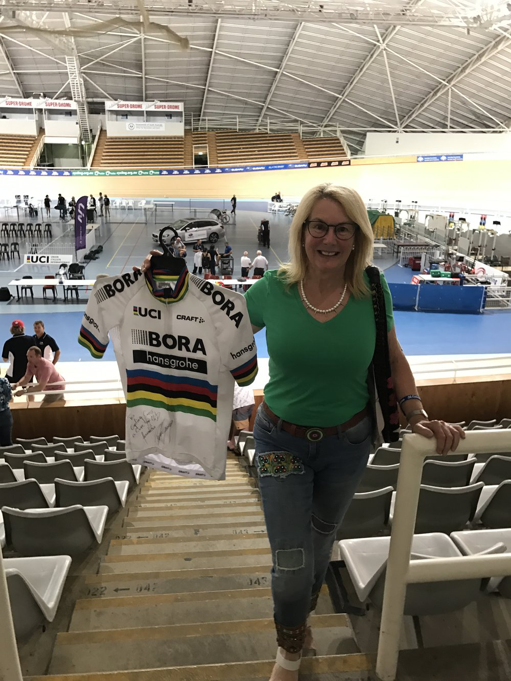 Tour Down Under 2017 - BiciSport member Dianne Townsend went to the track night at the Adelaide Velodrome for Cycling Cares in support of former Cycling Australia coach Gary West (a cure for Motor Neurone Disease).  Dianne made the winning bid for the Peter Sagan jersey (personally signed of course)