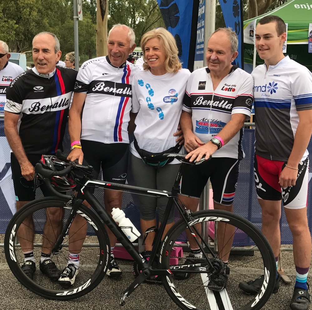HST 2017 Stage 3 - Phil Liggett joined the local Benalla club at the start