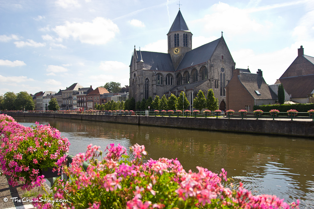 Oudenaarde on the Schelde River is an ideal setting for a Flanders racing experience