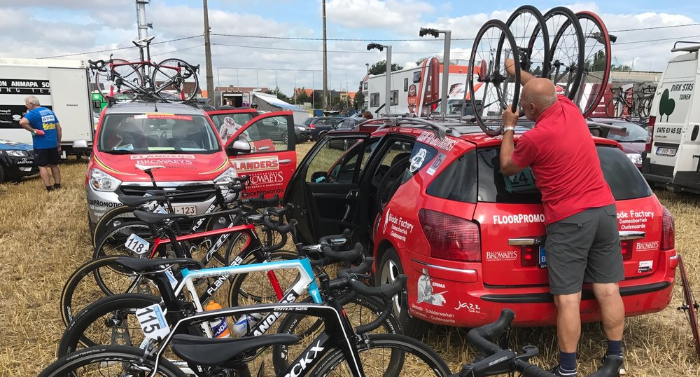 Brabant 17 (Stage 1) - The ASFRA Racing Team prepares for stage 1 of the Flemish Brabant Tour