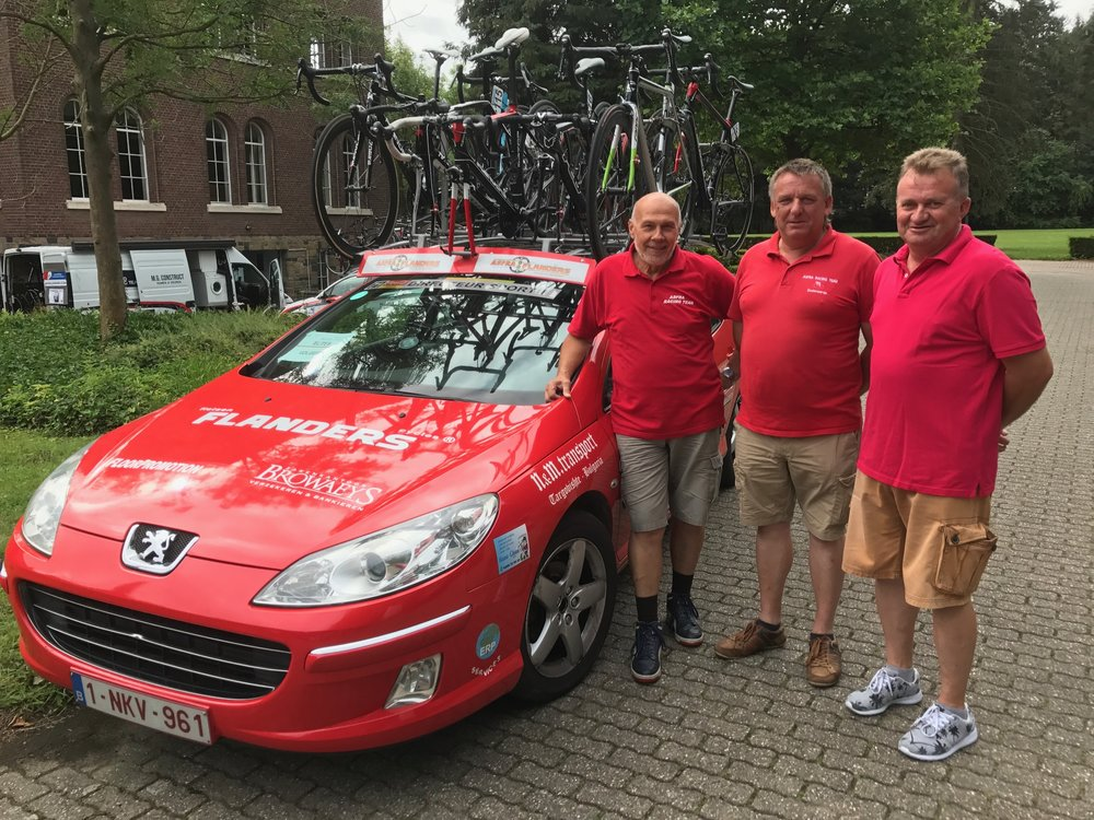 Brabant 17 - Peter Livingstone had the full support of the ASFRA-Flanders Cycles management team of John (mechanic), Dino (soigneur) and Patrick (Sports Director). The ASFRA team won both the Sprint & KOM jersey at the Tour of the Flemish Brabant.