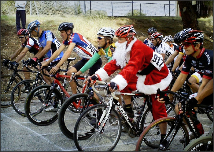T  he BiciSport Christmas Ride departs from the Piemonte Cafe Terrey Hills carpark at 8.00am on Sunday 17 December. A 90 minute loop around Akuna Bay then it is coffee back at Piemonte from 9.30am. All welcome.