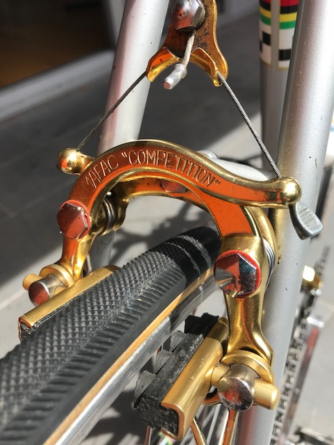 The Herve Boutin  Peugeot PY-10  features a stunning  MAFAC Competition  brake caliper in anodised gold