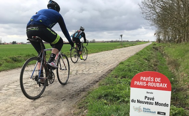 BiciSport in Flanders 18 - Mike O'Brien & Mike Lawson on the Bersee cobbles near Roubaix