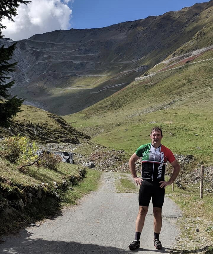"Stelvio climb Italy @ 12 Sept … Brett Tarlington (BiciSport Oakwood Lifestyle Advisers) with a hint of ""I've just been mugged by a burly Italian monster called Stelvio"" (…  who then stole my bike ? …  ) with a touch of more to come in the background."