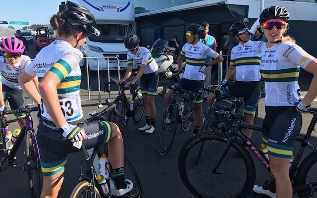 HST 19 @ Wednesday @ Phillip Island - Australian National Womens Team at the start