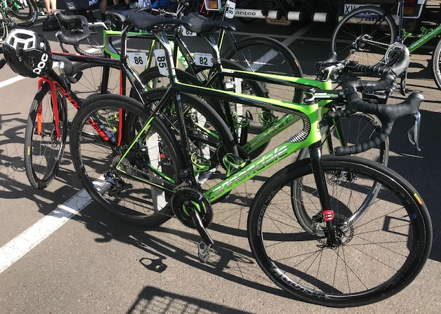 HST 19 @ Friday @ Sale start - a flock of idle Drapac team Cannondales before the stage start