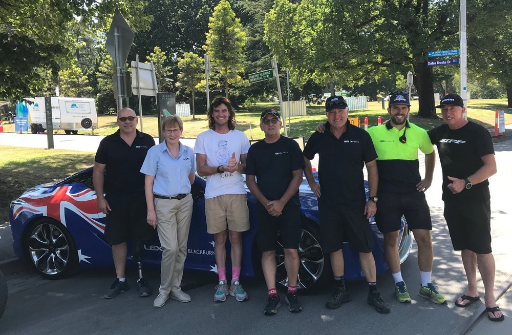 HST 19 @ Sunday @ Melbourne Botanical Gardens - the HST driving team in front of the Lead Car