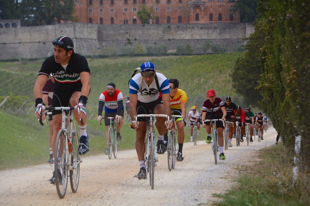 The Eroica Challenge is held on the traditional white roads (strade bianche) in and around Siena in Tuscany where toe clips, cloth caps, woolen jerseys, exposed brake cables & steel bikes are the order of the day … you know where you are with chrome …