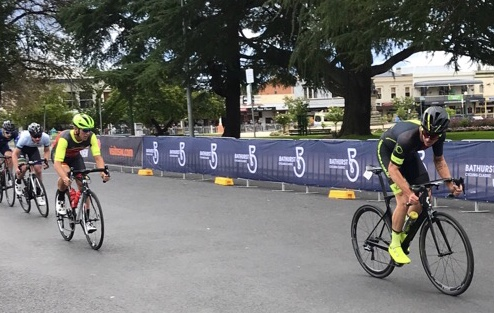 B2B Criterium @ Bathurst @ 16 Mar - Declan Jones (BiciSport Happy Wheels) leads the Division 2 Criterium