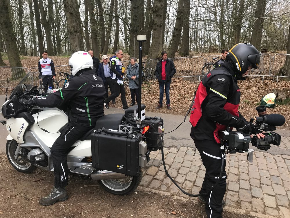 Bruges - De Panne Classic @ 27 Mar  - the live tv coverage from the top of the Kemmelberg climb
