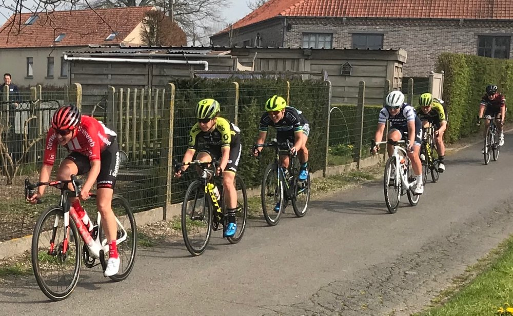 RVV @ 7 April -  The Womens RVV speed off the Patersburg climb towards the Oudenaarde finish. Photo MO'R