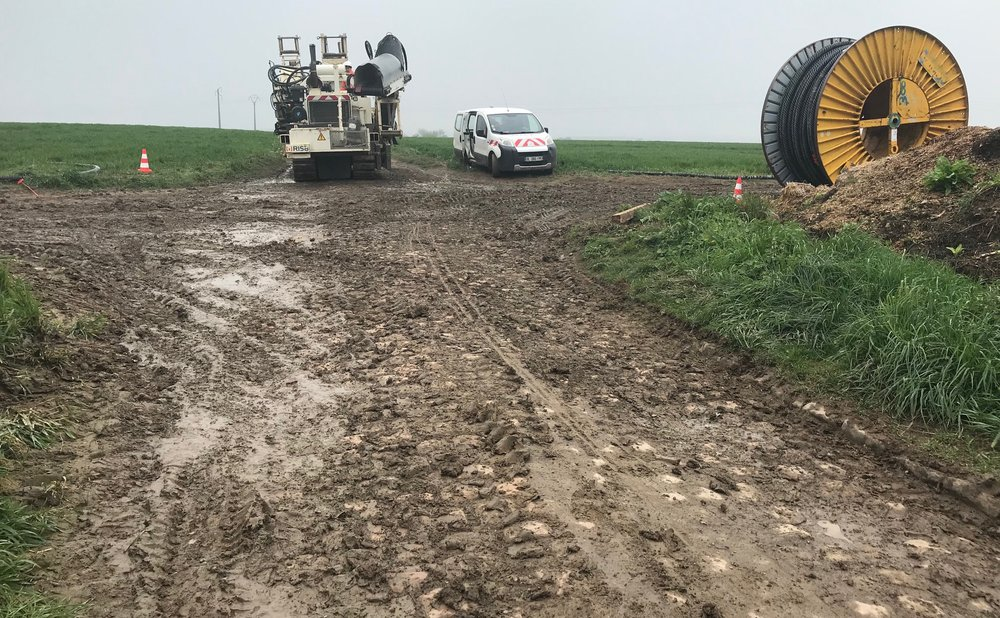 """Troisvilles Wallers @ 8 April -  Maing Cobbles (Sector 22/21) … the """"road"""" (yeah right) was blocked and things went very pear shaped soon afterwards …"""