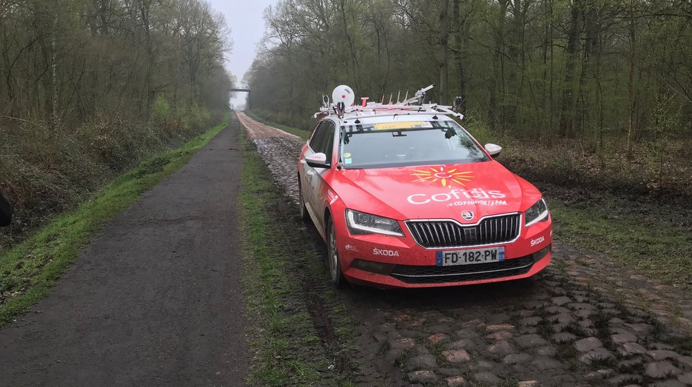 Troisvilles Wallers @ 8 April -  Wallers Arenberg and the Cofidis Team Car turned up for a pre recce inspection
