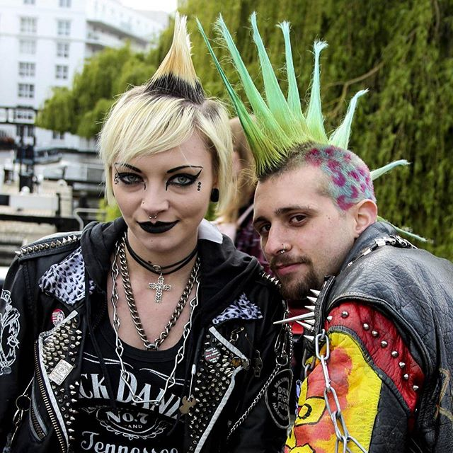 Punks in Camden, London.  #londom #camden #photography #tra el #travelphotography