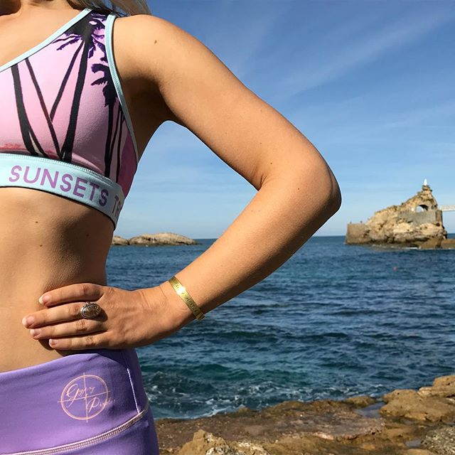 Happiest by the Sea 🌊 Biarritz is one of our favourite spots for running, yoga, surf & watching sunsets 🌅                 #fitnessfashion #yogi #supyoga #fitness #surfgirl #tiu #activewear #activelifestyle #healthylifestyle #yoga #yogini #yogafit #yogawear #yogalove #yogapants #yogaeverydamnday #yogagirl #biarritz #beachbody #beachbodycoach #beachlife #fitnessfashion