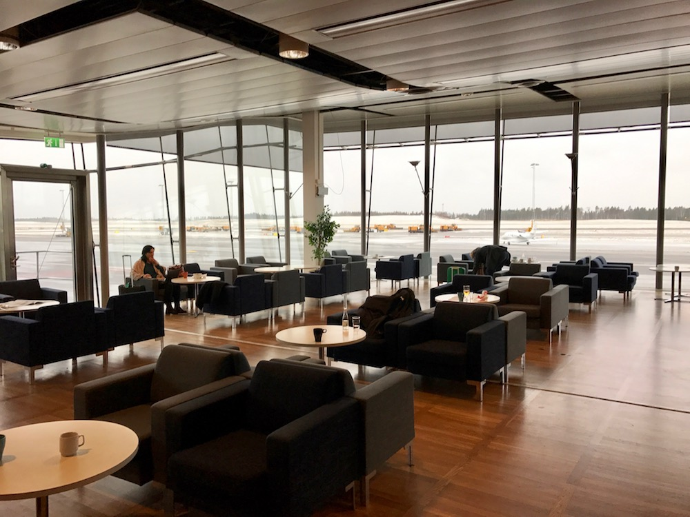 The Menzies Lounge is small, but has great windows through which to watch flight operations.