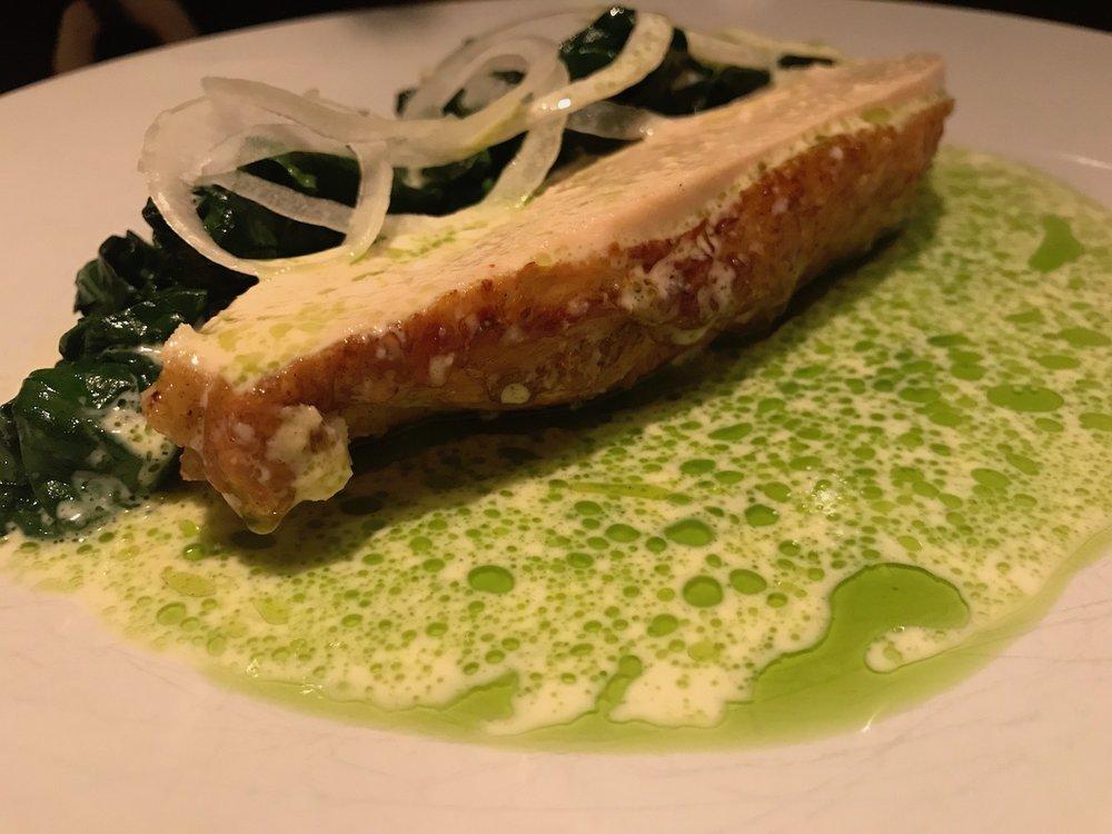 bjärekychkling, färsk vitloök, kål, syrad grädde  (chicken, green garlic, cabbage)