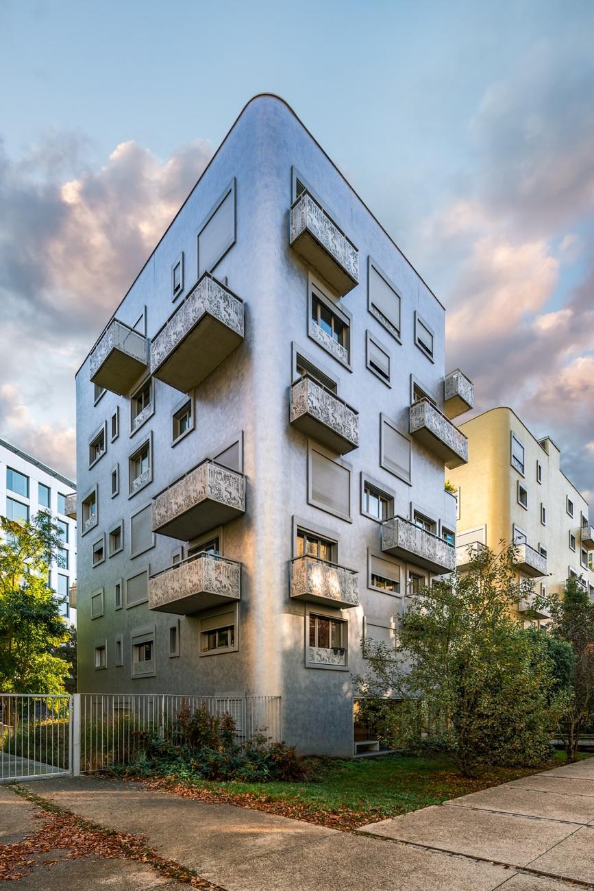 Bronze-Buildings.jpg