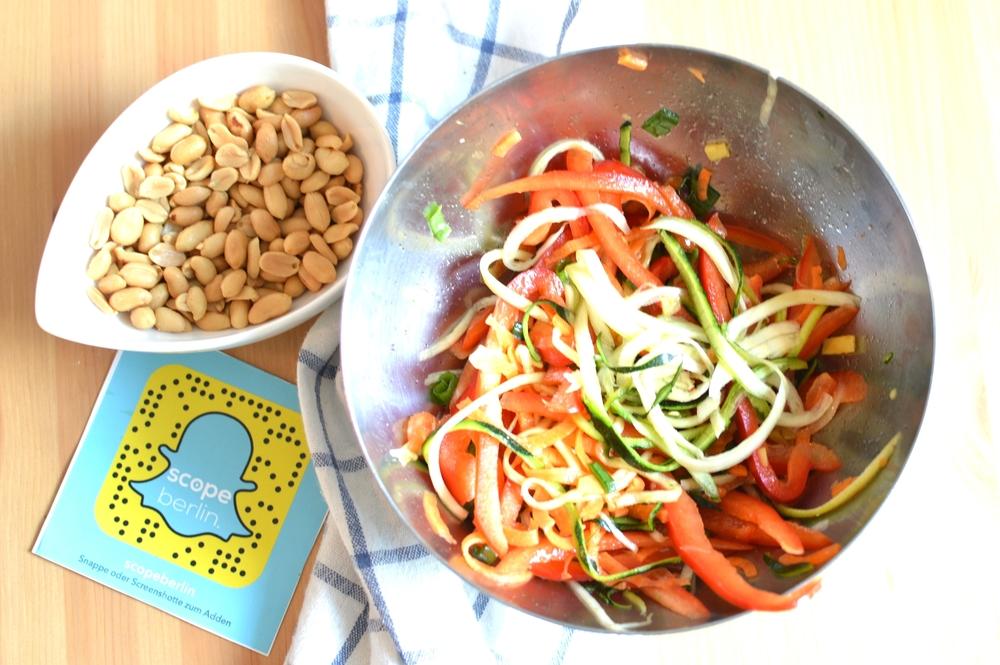 Asiatischer Zoodles Salat