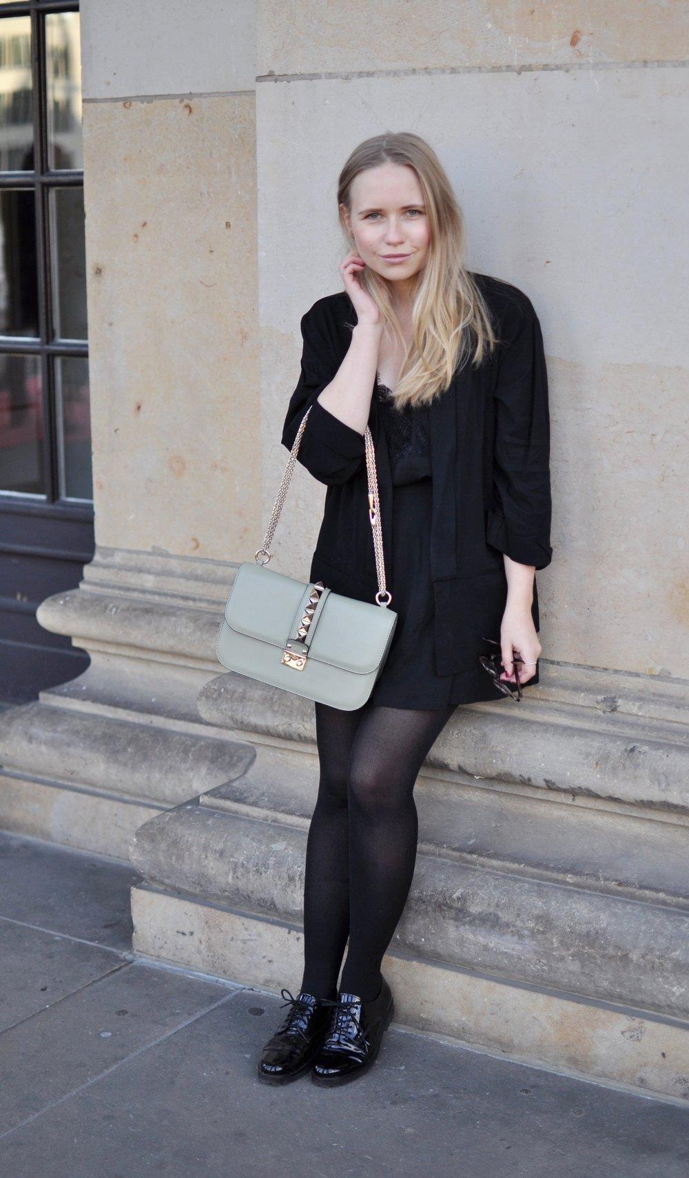 Fashionblogger-Berlin-Valentino-Rockstud-Medium-Green-All-Black