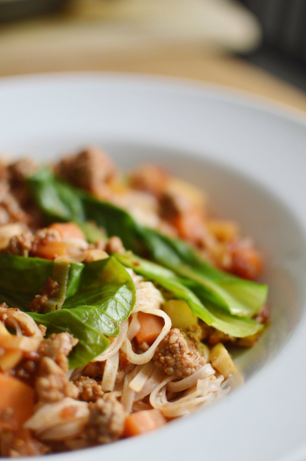 Rezept-asiatische-Bolognese-Reisbandnudeln-Pakchoi-schnell-frisch-lecker