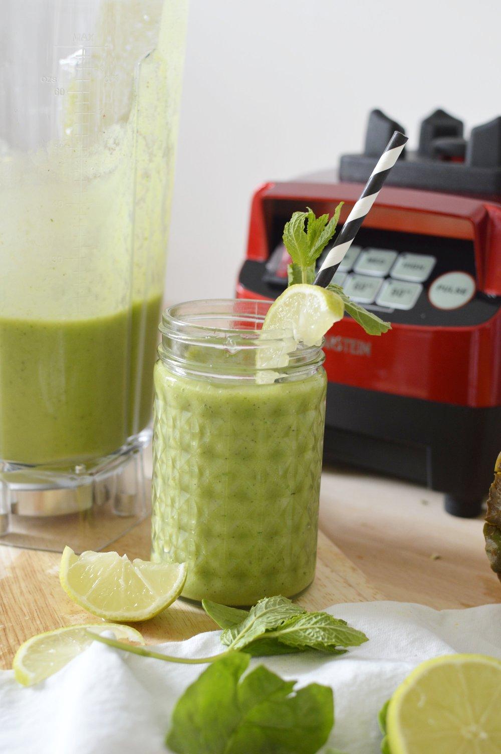Tropical-Green-Smoothie-gesund-lecker-Rezept-frisch