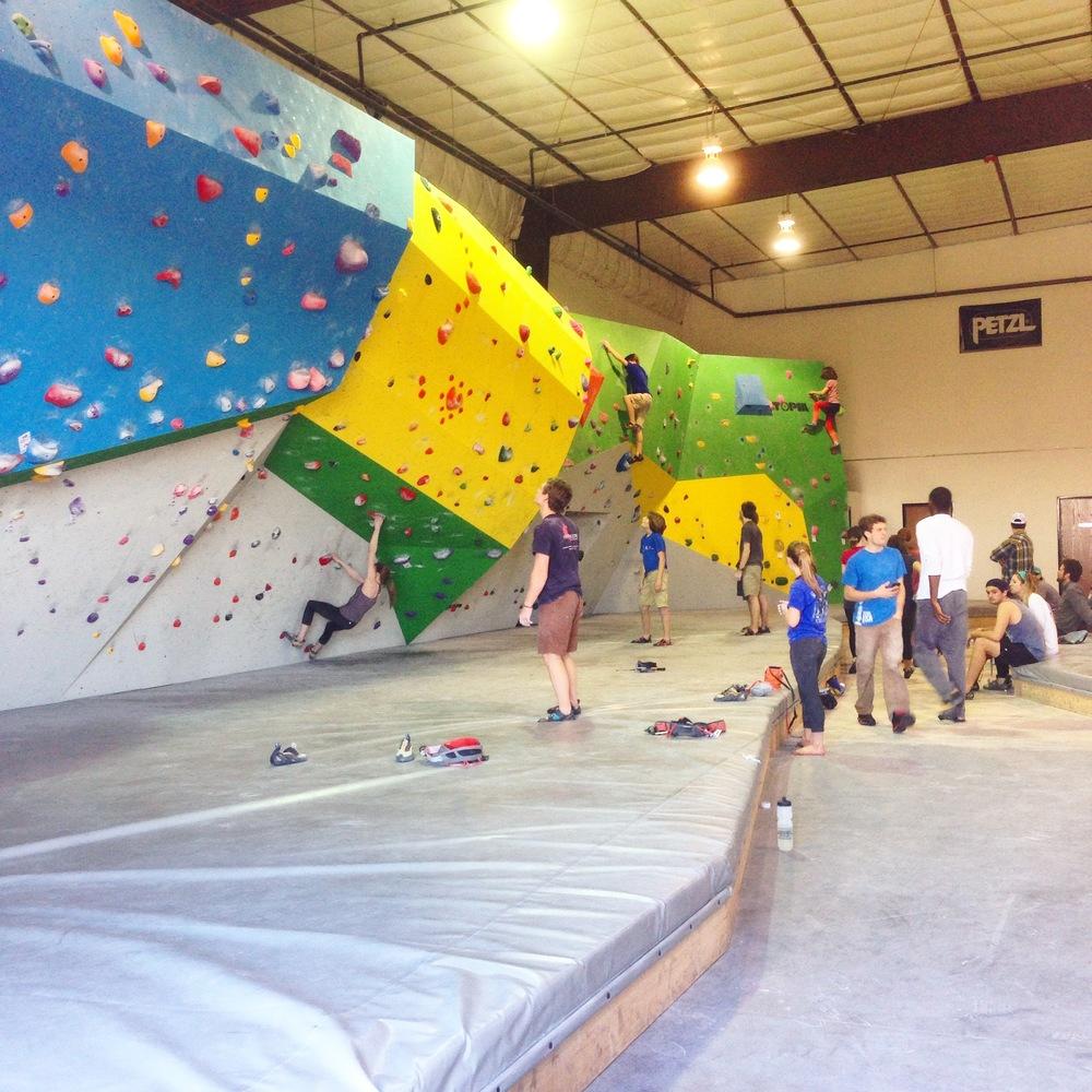 comp-bouldering-wall2.JPG