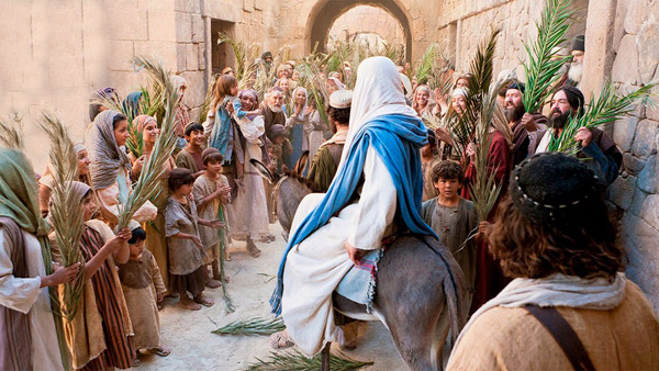 Jesus arrives in Jerusalem