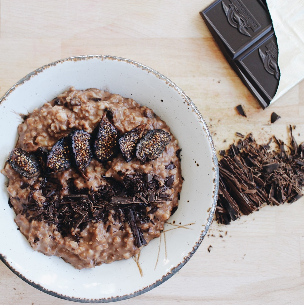 Oatmeal with 100% Cacao and Figs