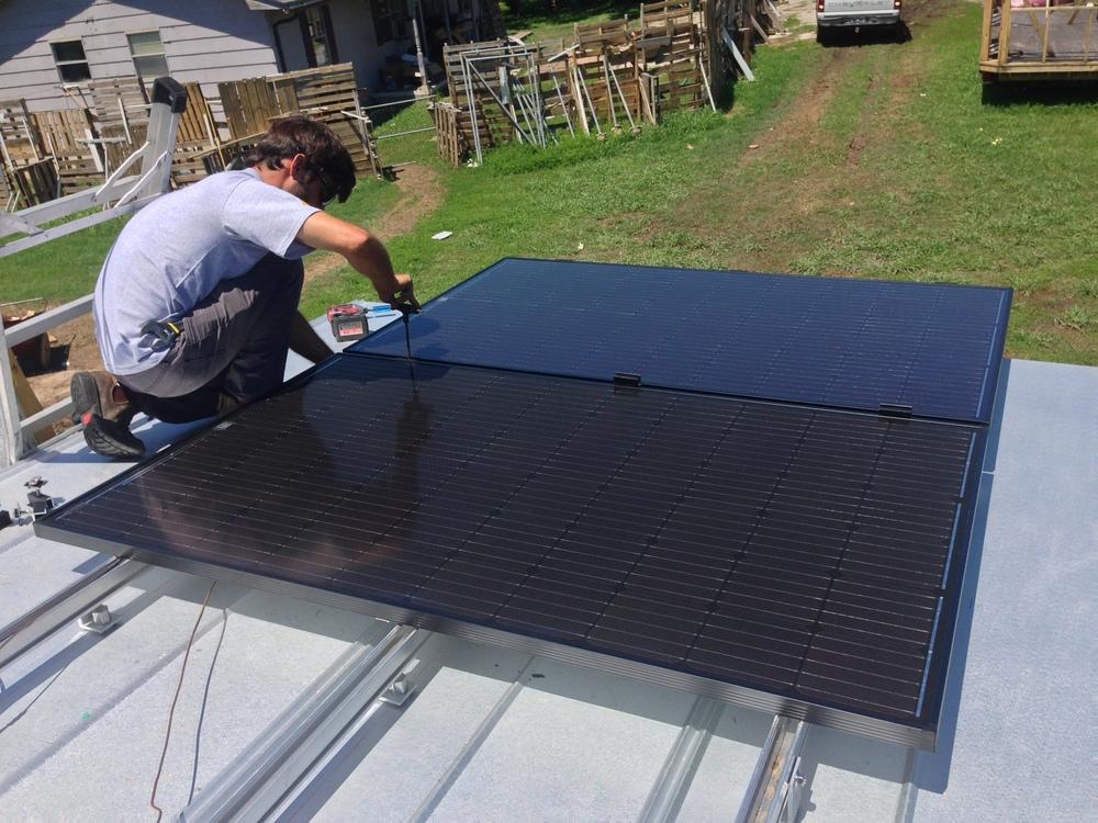 tiny-house-solar-panel-installation-earth-day3