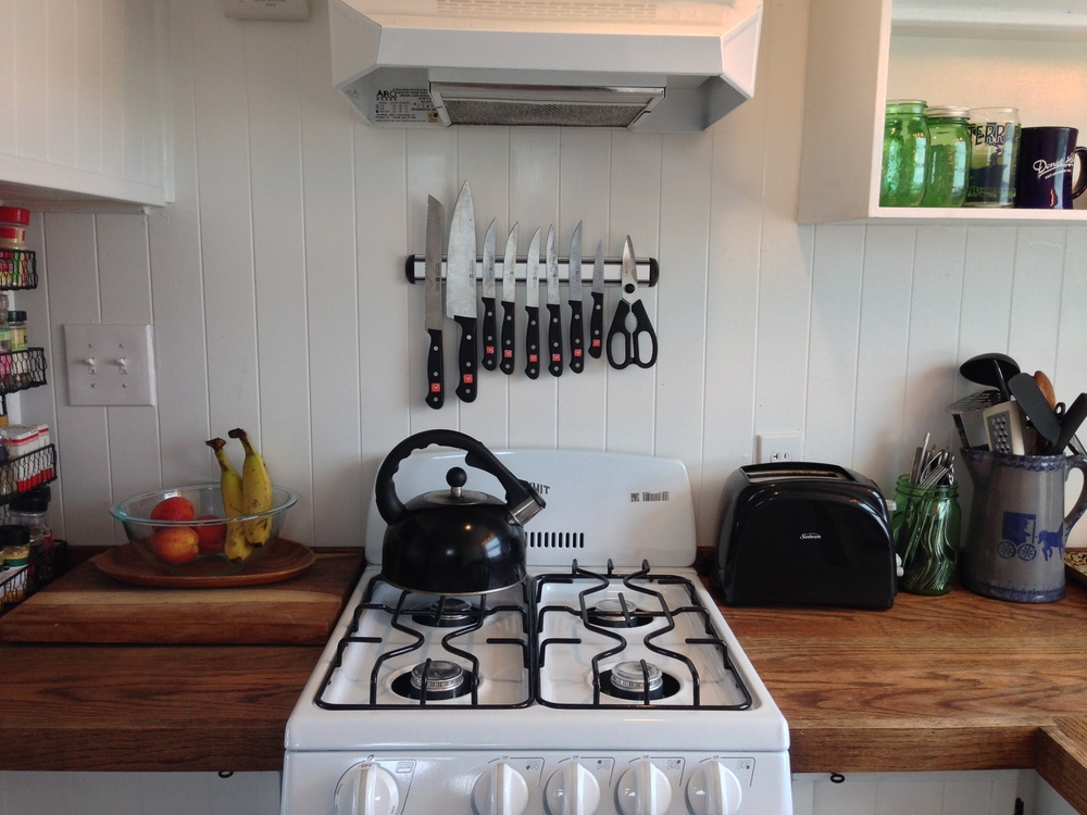 tiny solar house kitchen2 - Tiny House Kitchen 2