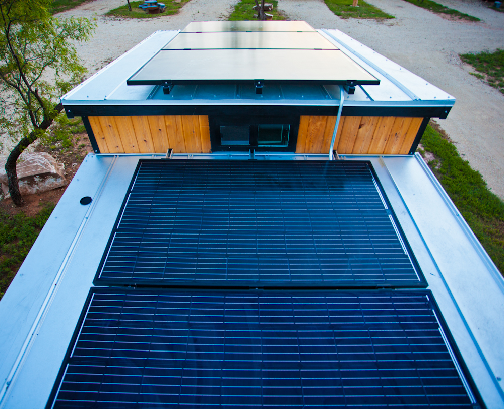 solar-panels-tiny-house-roof