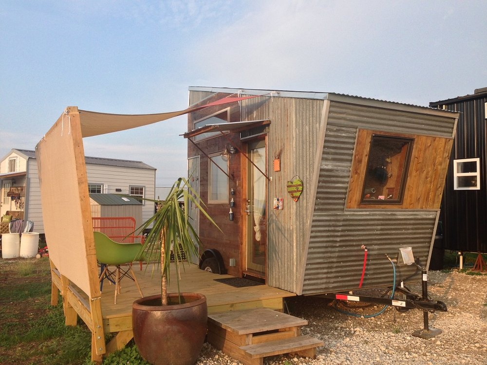 The Retro is a 12-foot tiny house available for rent at Austin Live|Work.