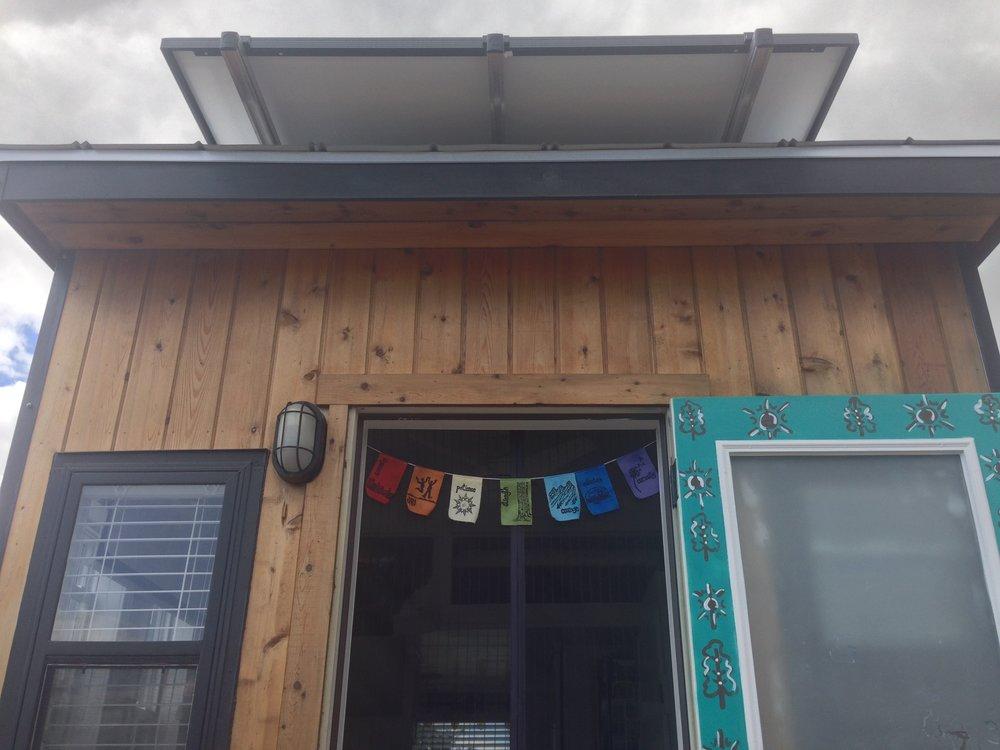 tiny-solar-house-exterior3